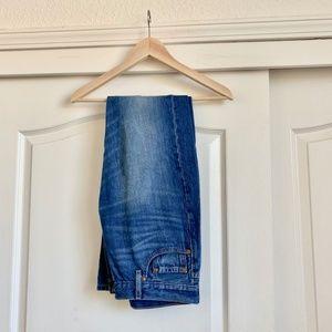 Levi 501 Midrise straight jeans